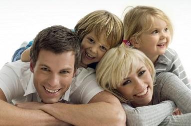Happy-Family-Large-size-637x422